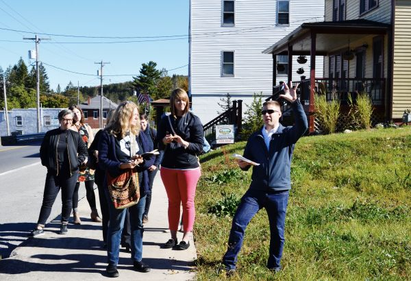 HAC's Stephen Sugg discusses Creative Placemaking with peer exchange attendees
